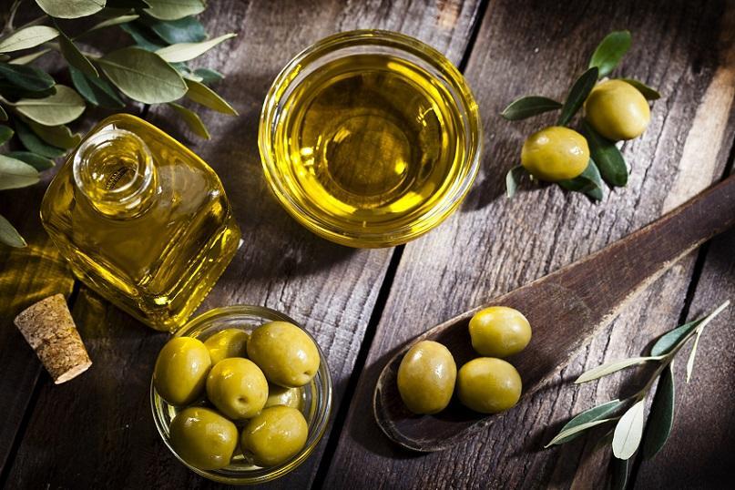 мазать кожу оливковым маслом